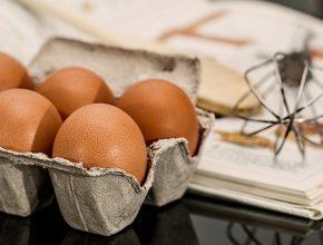 Zuppa di gocce d'uovo